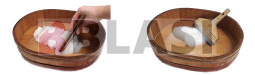 La tècnica japonesa per fer engrut, a l'esquerra amassant l'engrut amb la shigokebake, a la imatge de la dreta la mateixa massa d'engrut ja treballada i amb l'aigua incorporada.