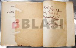 Restauració de dos llibres d'Àngel Guimerà