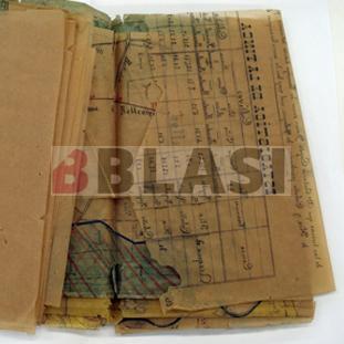 Restauració d'un plànol de paper vegetal