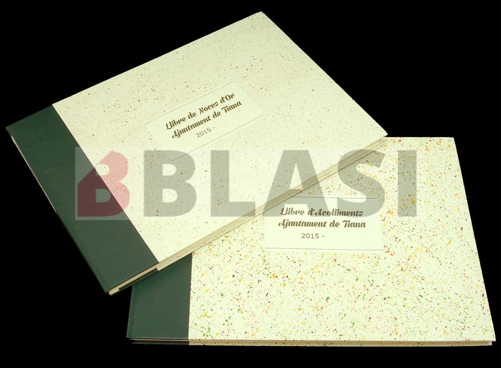Llibre de Noces d'Or i llibre d'Acolliments de l'Ajuntament de Tiana