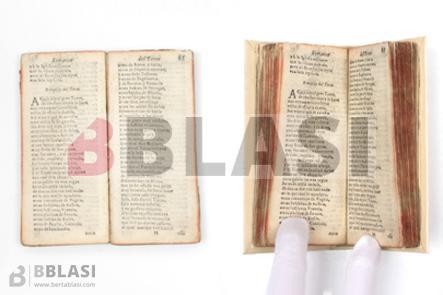 detall del llibre abans i després d'enquadernar-lo